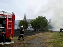 Pożar w byłym PGR'ze w Łubiu